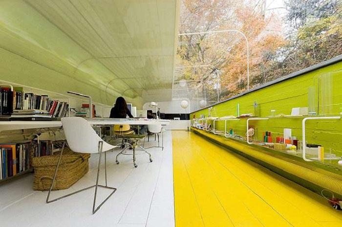 Концепция офиса Selgas Cano в буквальном смысле объединяет работника с природой (Мадрид, Испания). | Фото: grandengineer.ru.