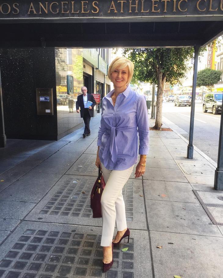 летняя блузка с белыми брюками фото 2