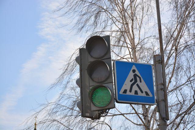 В белорусском Гродно девушка-пешеход не пропустила кортеж Лукашенко