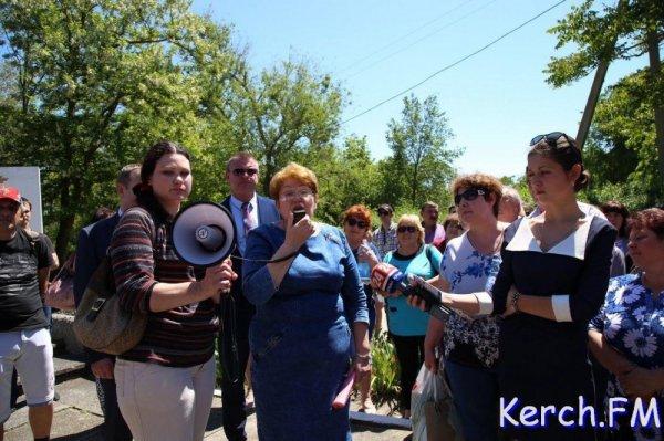Беспорядки в Крыму. Завод захвачен вместе с зарплатами