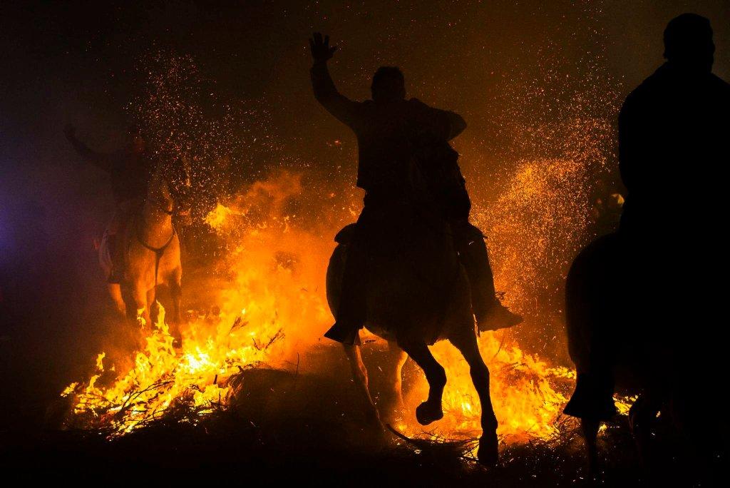 Luminarias - испанский фестиваль огня и животных-13