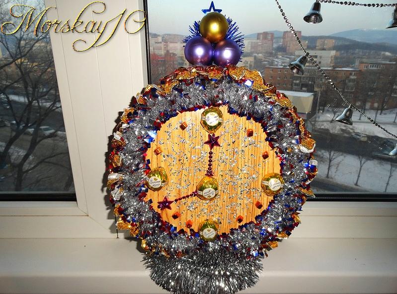Новогодние часы из конфет. Morskay10