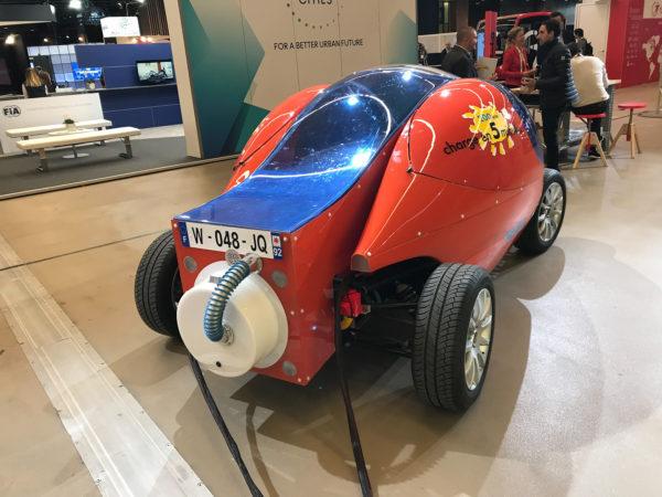 Странный автомобиль из Парижа, который установил рекорд