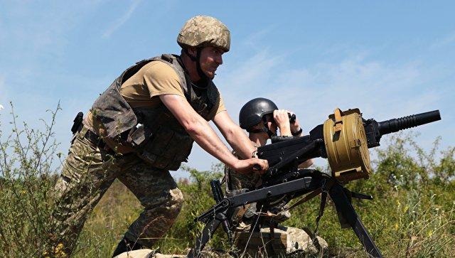 Украинские силовики продают позиции у линии соприкосновения, заявили в ЛНР