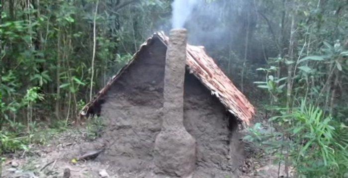 Как сделать домик своими руками видео в лесу