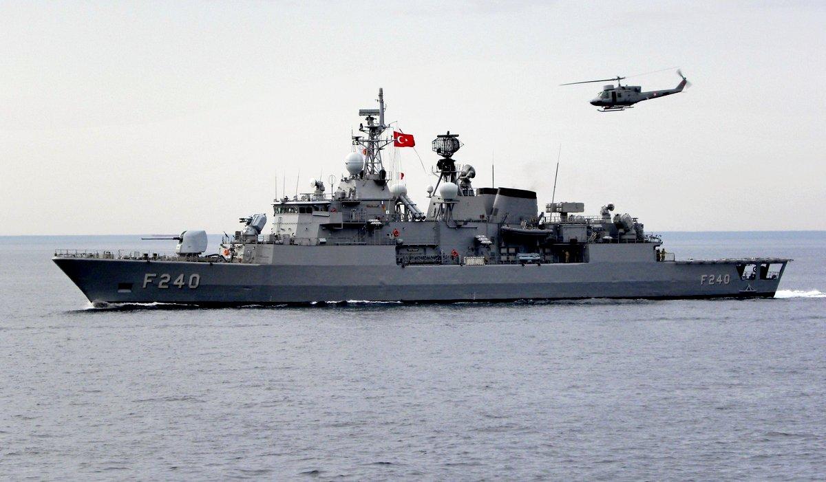 Янычары Эрдогана подбираются к крейсеру «Москва»