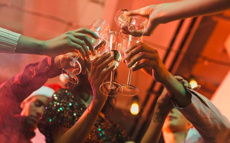 Отвращение или ностальгия: что чувствуют люди, когда пьют алкоголь