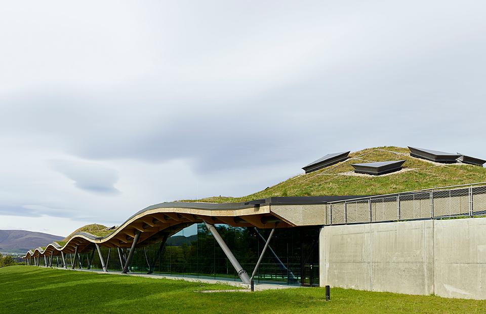 Луг на крыше: новая архитектурная достопримечательность Шотландии