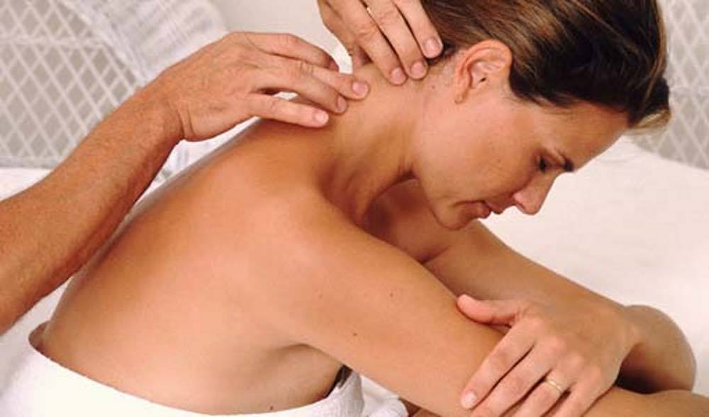 Массаж при остеохондрозе шеи в домашних условиях