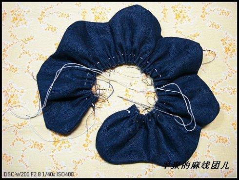 Как сделать цветок из джинсы 271