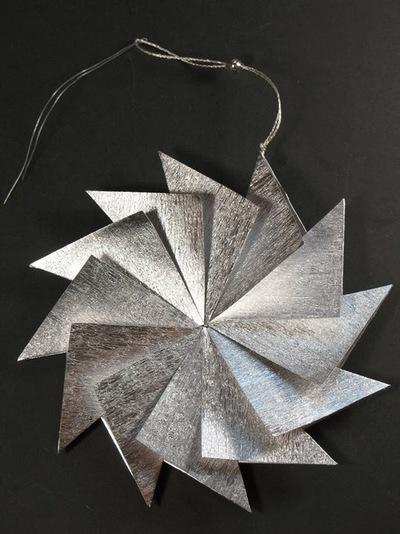 DIY Angled Starburst Ornament