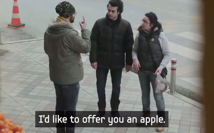 town-learns-sign-language-deaf-muharrem-samsung-video-call-center-14