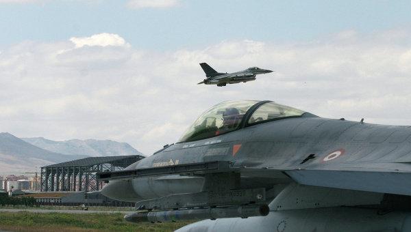 Власти Турции обвинили самолет РФ в нарушении воздушного пространства