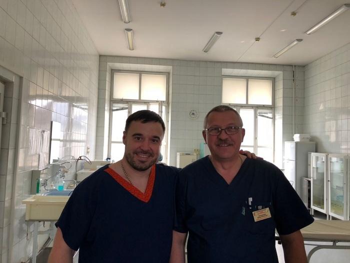 Сибирский хирург уже несколько лет тратит свой отпуск на то, чтобы провести бесплатные операции детям во всем мире. Сибирь, Новосибирск, Врачи, Хирург, Члх, Челюстно-Лицевая хирургия, Дети, Волонтерство, Видео, Длиннопост