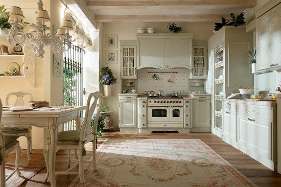 Классический вариант кухни с элементами стиля прованс