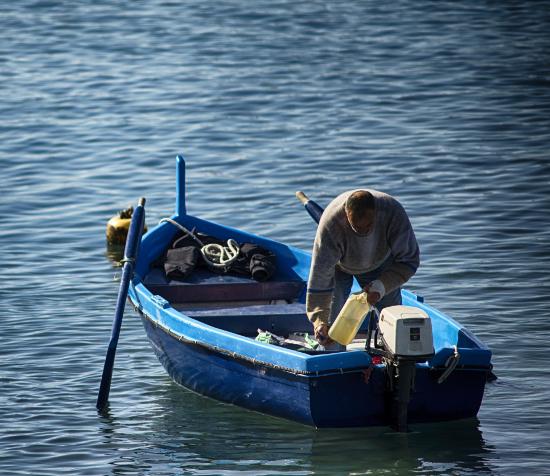 где в москве поплавать на лодке