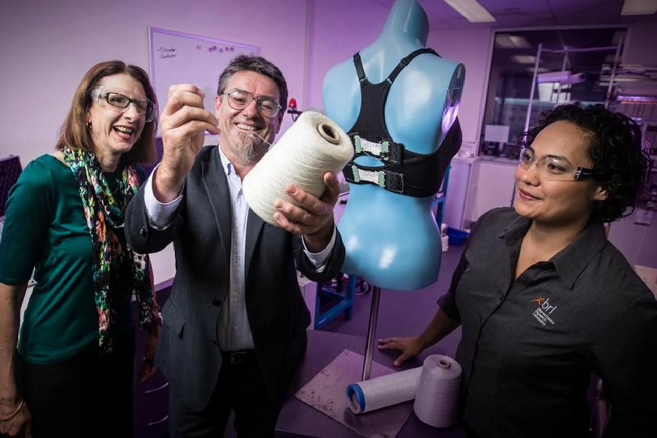 Первый в мире бионический бюстгальтер родом из  Австралии