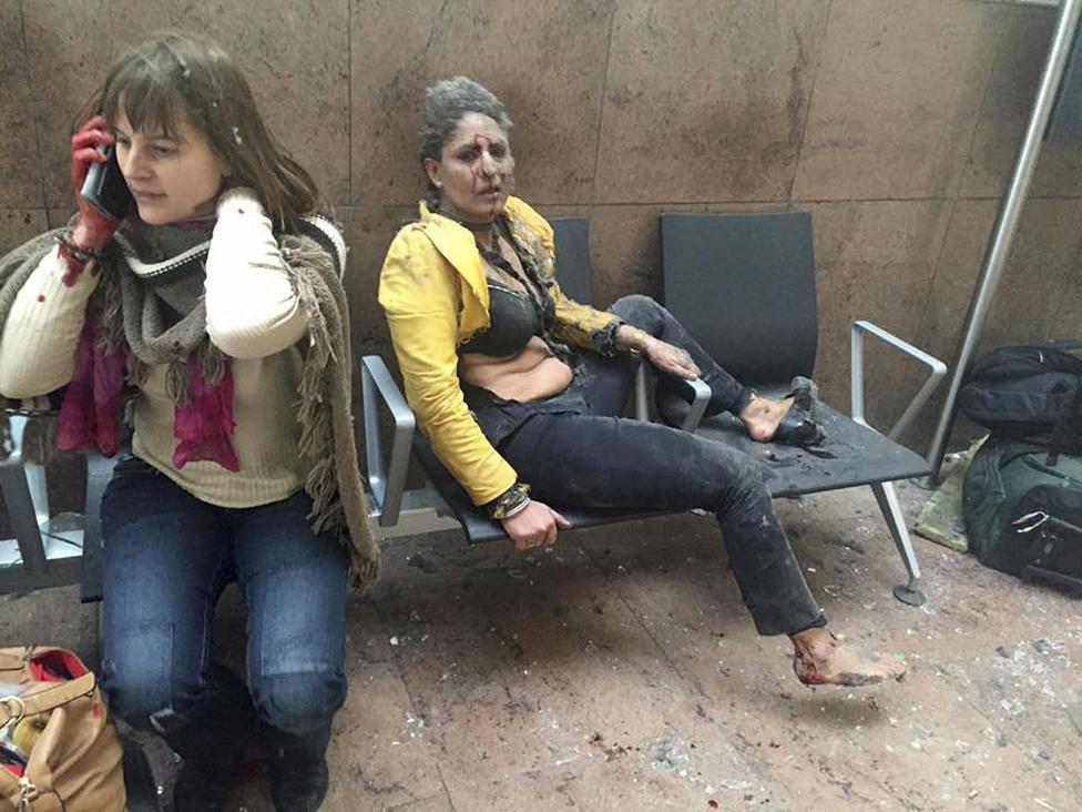 Фотографии с мест терактов в Брюсселе