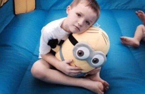 Этот мальчик-аутист почти плакал, когда никто не пришел к нему на праздник... Но тут случилось невероятное!