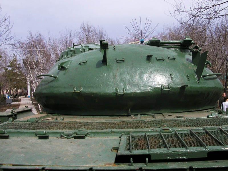 Россиянин зарегистрировал танк как трактор и ездил на нем по Латвии