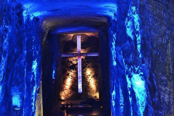 Соляной Собор Сипакира (Колумбия) красиво. необычно, храм. мир