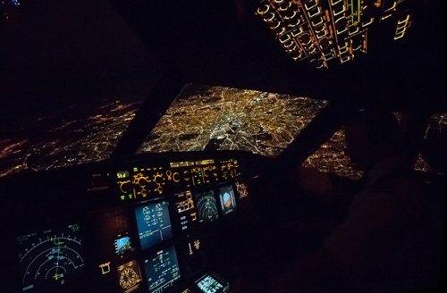 Неожиданные признания пилотов и бортпроводников (14 фото)