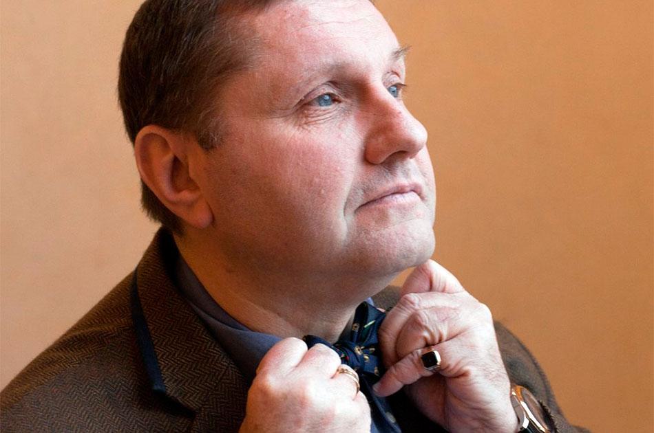 Петр Павленский, насильник-путинист