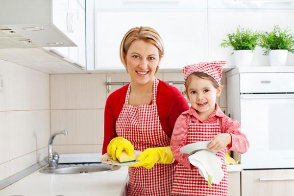 можете помогать по хозяйству как пишется свои женщины-бойцы