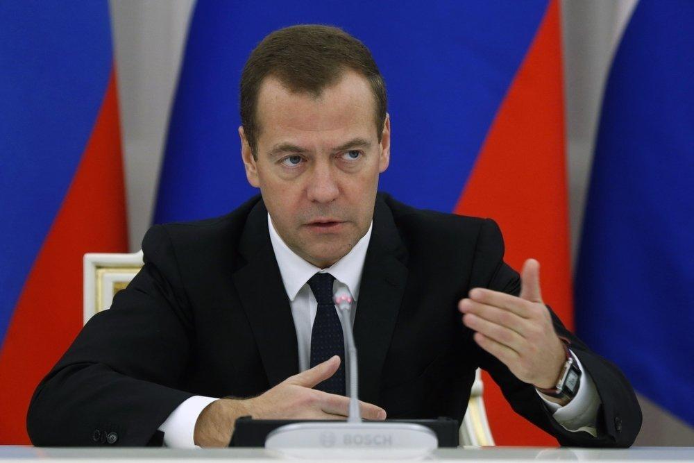 Дмитрий Медведев не исключил введения запретительных пошлин на нефть