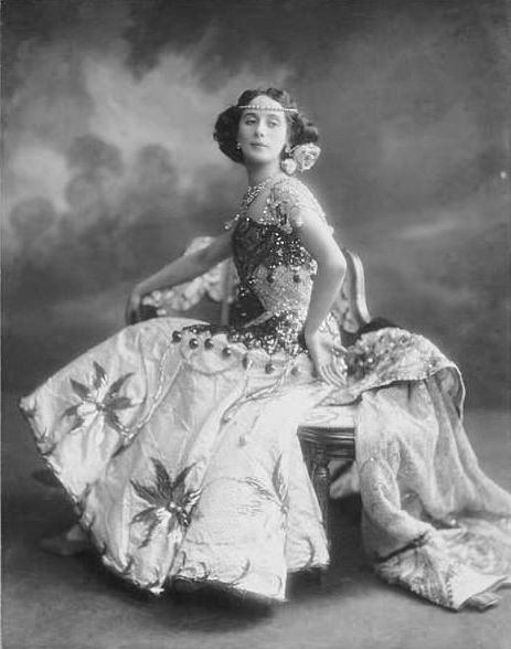 anna-pavlova-304842-photo-large-7 (463x588, 37Kb)