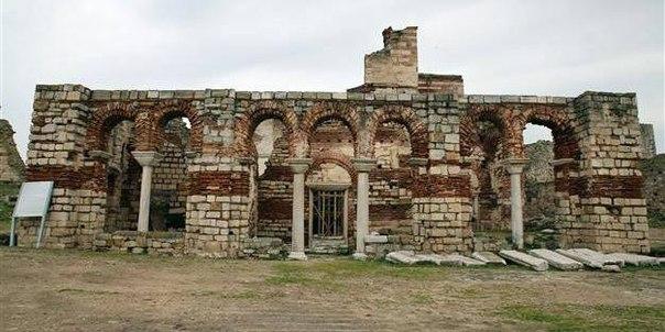 В Турции еще один византийский храм Святой Софии будет преобразован в мечеть