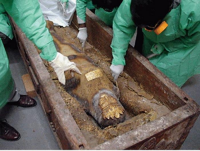 10 археологических артефактов, оцененных в миллионы и оказавшихся подделками