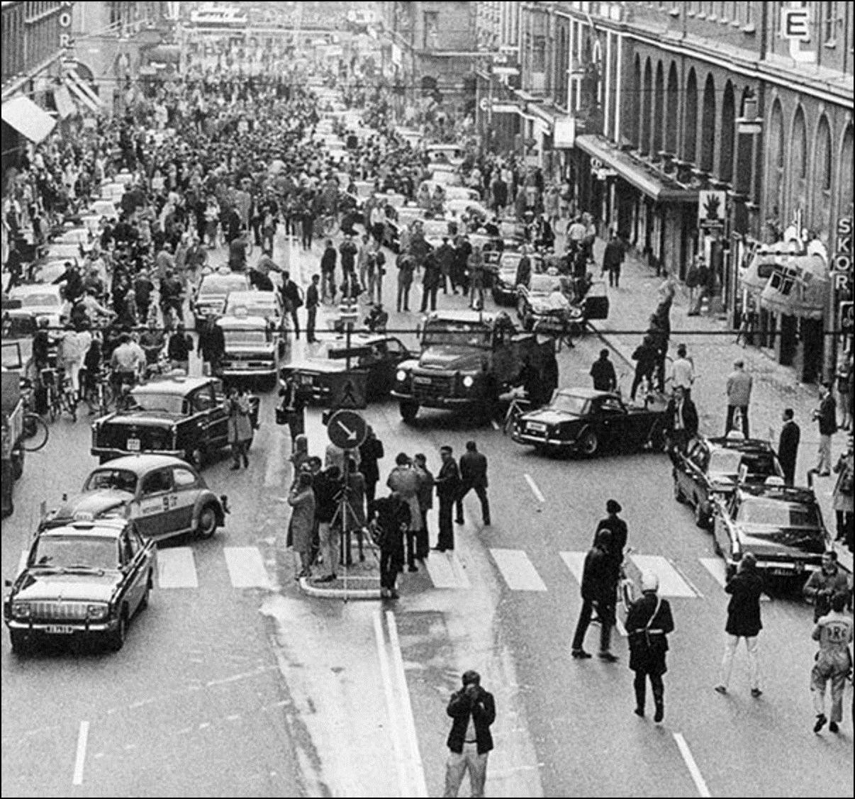 Первое утро после перехода Швеции с левостороннего на правосторонне движение, 1967 Историческая фотография, история, факты