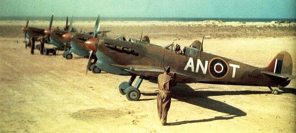 Spitfire-Vs-417th-Canada-Sq-Nth-Africa.jpg