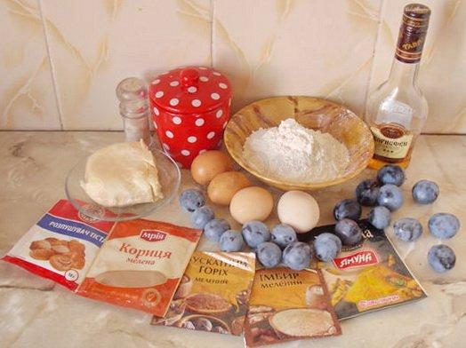 ингредиенты для пряного кекса со сливами