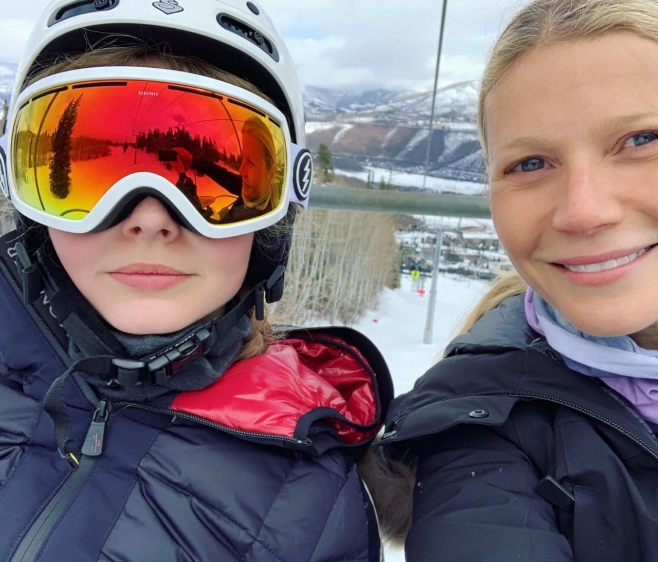 Дочки-матери: обмен комментариями между Гвинет Пэлтроу и ее дочерью Эппл вызвал целую бурю обсуждений о конфиденциальности