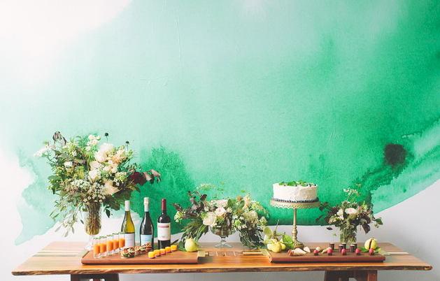 Декор в цветах: зеленый, бирюзовый, светло-серый, белый, темно-зеленый. Декор в .
