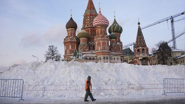 FT: Без дворников-мигрантов Москва превратилась в огромный каток