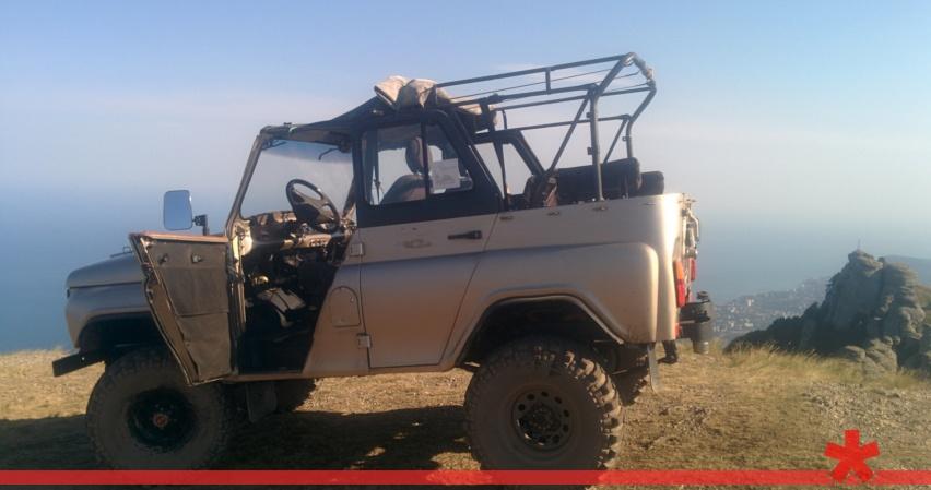 Смертельный джипинг: под Алуштой перевернулся экскурсионный УАЗ с туристами