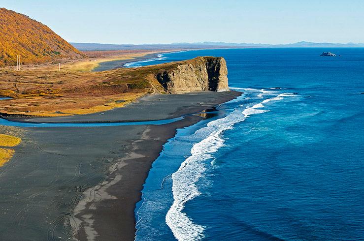 Халактырский пляж — чёрные пески Камчатки