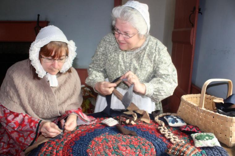 Коврики из кос: теплый привет от канадских бабушек