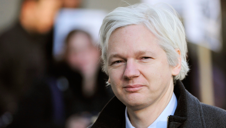 Ассанж уже семь месяцев не может дождаться шведского прокурора