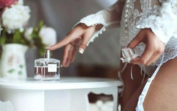 Важное правило женщины: нельзя экономить на духах, косметике и белье