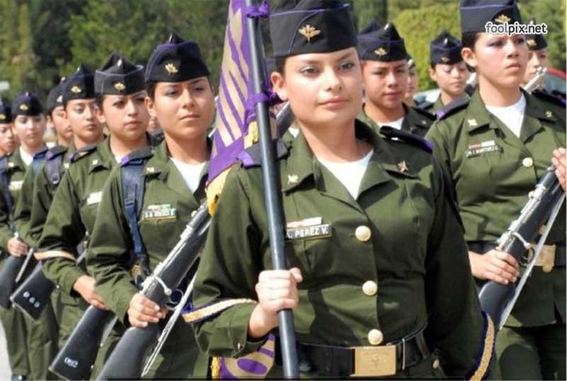 Девушки на службе в армии фото 24