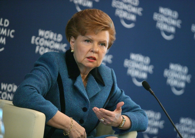 Экс-президент Латвии Вайра не выдержала: гордитесь убогие, вы мишени для РФ