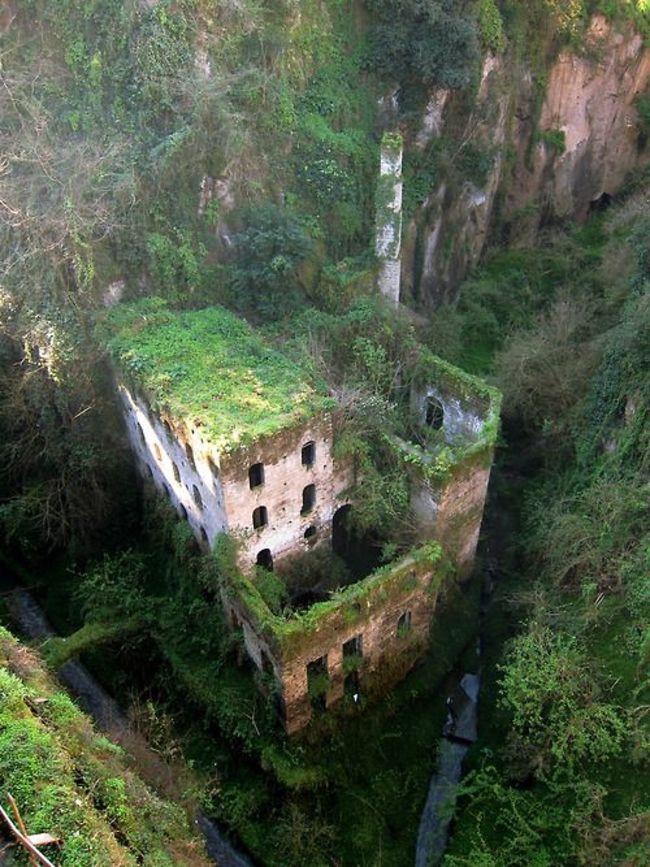 Долина мельниц в Италии заброшенное, природа, разрушение, цивилизация