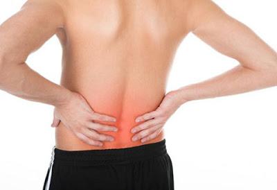 Всего два упражнения устраняют острую боль в пояснице всего за 5 минут...