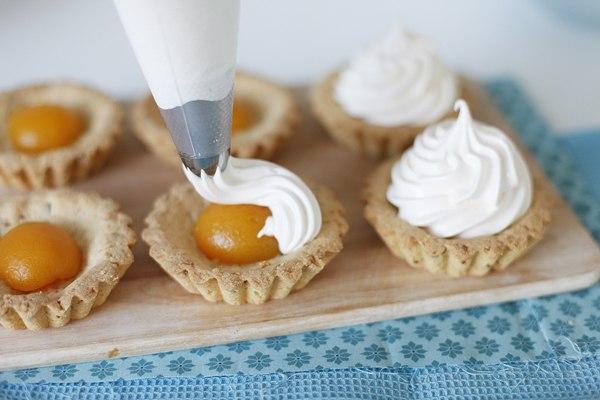 Корзинки с абрикосовым кремом «Зефир» — ваши труды будут оценены очень высоко