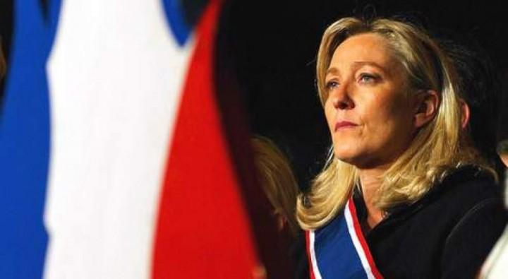 Марин Ле Пен в случае победы на выборах пообещала вывести Францию из Евросоюза