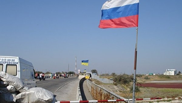 Даже Галичина в пути: Украинцы едут в Крым в объезд Чонгара и Перекопа
